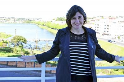 Jornalista Tabata Pitol visita Acig