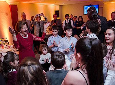 Família celebra os 80 anos de Regina Bueno Dorigon