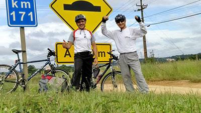 Ciclistas homenageiam instituições pedalando de Curitiba a Pato Branco