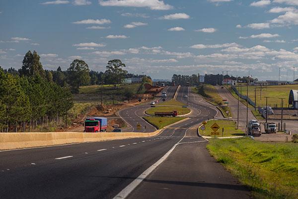 Caminhos do Paraná entrega obras de duplicação na BR-277 em Guarapuava